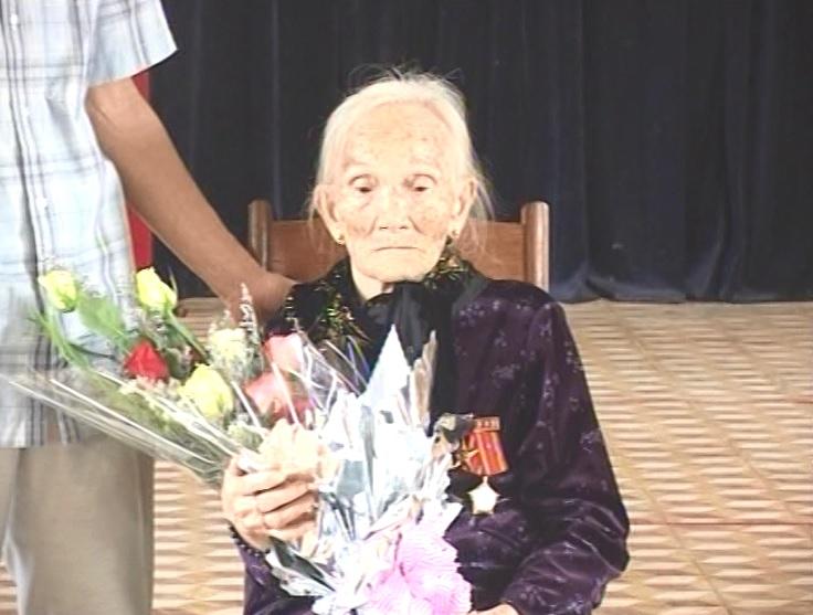 Trường Cao đẳng sư phạm tỉnh Gia Lai tổ chức lễ nhận phụng dưỡng mẹ Việt Nam anh hùng