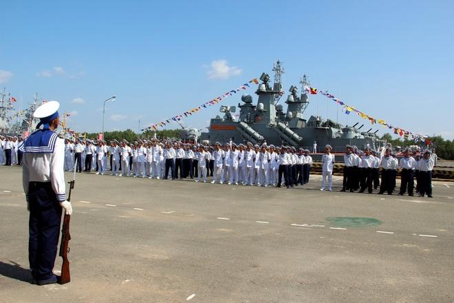 Dàn tên lửa trên cặp tàu chiến hiện đại nhất Việt Nam