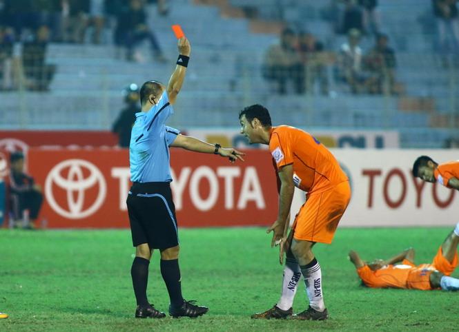 Cầu thủ SHB.Đà Nẵng bị cấm thi đấu 3 trận