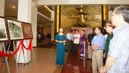 Quảng Trị: Gần 100 bức ảnh khơi dậy tinh thần chiến thắng Điện Biên Phủ