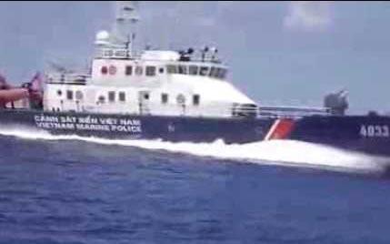 Tàu chiến Trung Quốc áp sát tàu thực thi pháp luật của Việt Nam
