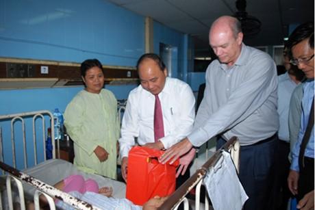Phó Thủ tướng Nguyễn Xuân Phúc thăm BV Việt Nam-Cuba Đồng Hới