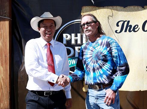 Thị trưởng PhinDeli: 'Mua Buford để quảng bá cà phê Việt'