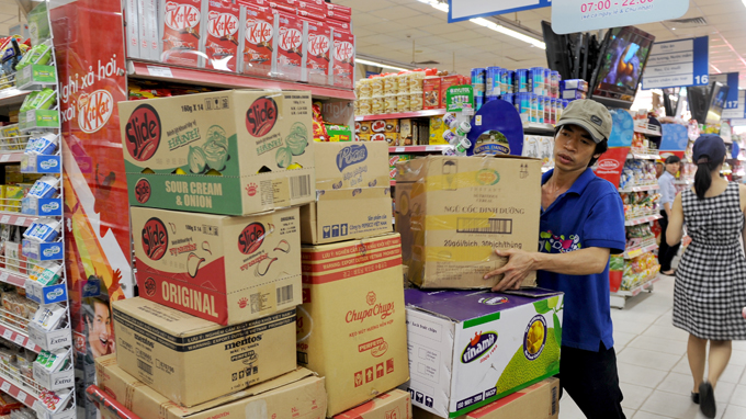 Chợ, siêu thị lo ế hàng mùa lễ