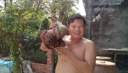 Đào được củ khoai lang hình thù lạ, nặng 6 kg
