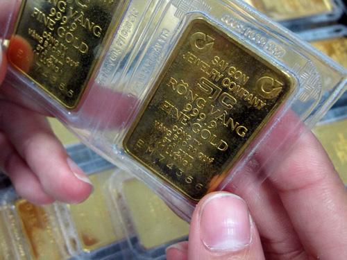 Quá nhiều ưu đãi cho vàng