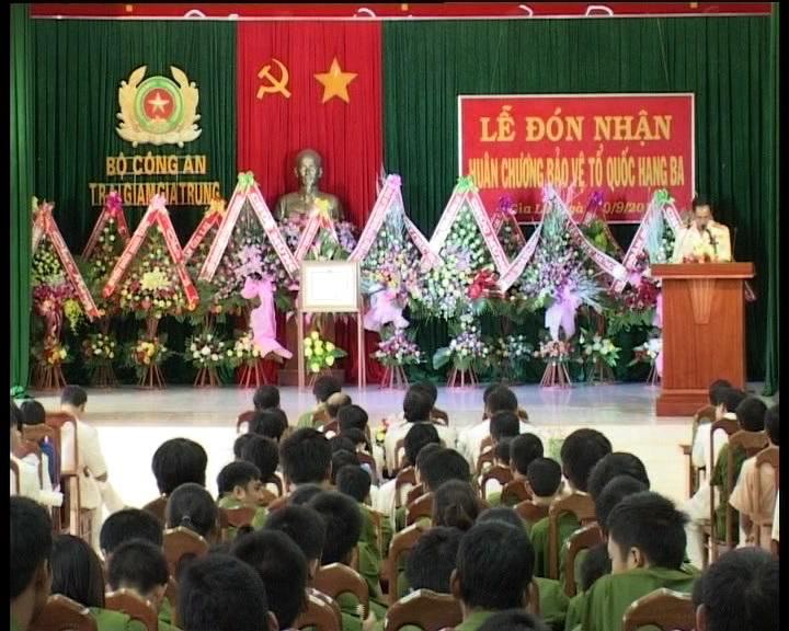 Đoàn cơ sở Trại giam Gia Trung đón nhận Huân chương bảo vệ Tổ Quốc hạng 3 của Chủ tịch nước
