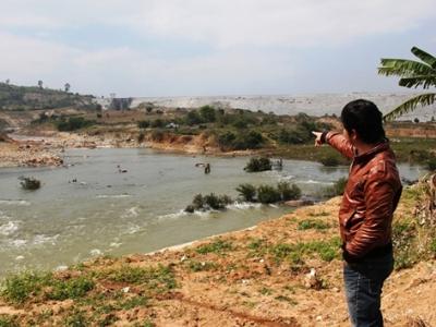 Dân khổ vì nhường đất cho thủy điện