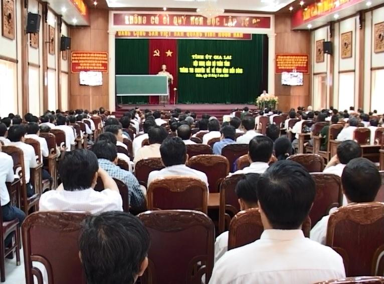 Hội nghị cán bộ chủ chốt toàn tỉnh thông tin về tình hình biển Đông