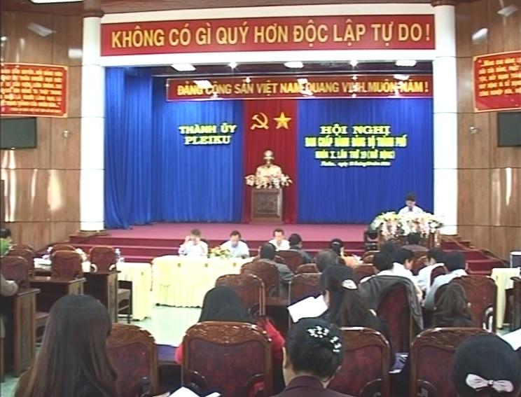 Thành ủy Pleiku tổ chức hội nghị Ban chấp hành Đảng bộ Thành phố lần thứ 19, khóa X