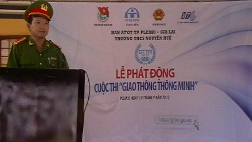 Công tác an toàn giao thông học đường ở trường THCS Nguyễn Huệ-thị xã Ayun Pa.