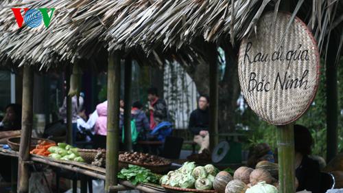 Tìm lại ký ức chợ quê xưa giữa lòng Hà Nội