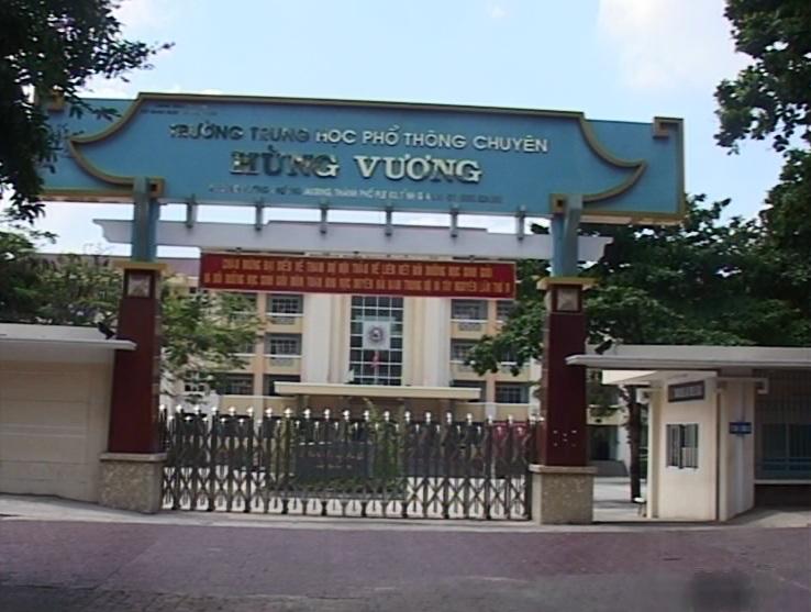 Đoàn trường Hùng Vương với nhiều hoạt động nâng cao kiến thức lịch sử cho đoàn viên