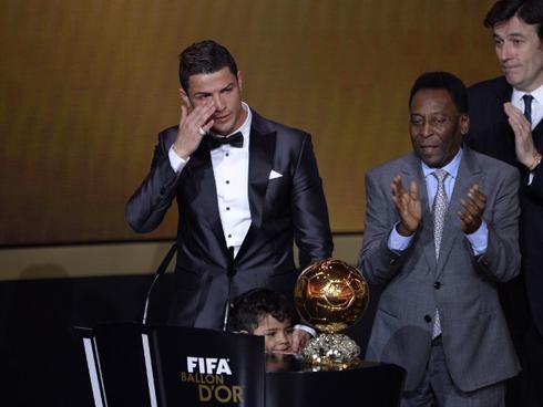 Ronaldo đoạt Quả Bóng Vàng FIFA 2013