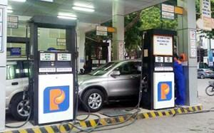 Giữ nguyên giá xăng, giảm giá dầu 140 đồng/lít