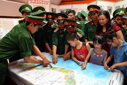 Đại gia đình các dân tộc Việt Nam với sự nghiệp xây dựng và bảo vệ Tổ quốc.