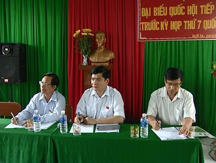 Đoàn đại biểu Quốc hội khóa XIII tỉnh tiếp xúc cử tri tại Đức Cơ và Chư Prông