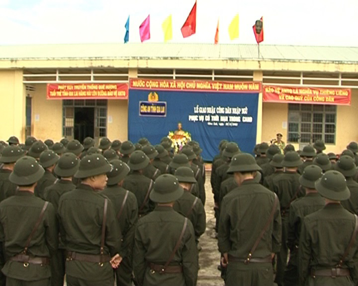 Tổ chức giao nhận công dân phục vụ có thời hạn trong lực lượng Công an.