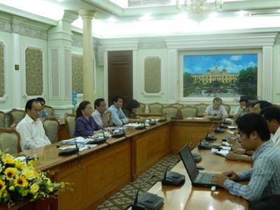 """Đối thoại với Tiền Phong vụ """"lương khủng"""", Phó Chủ tịch UBND TPHCM Lê Mạnh Hà:  Không thu hồi tiền lương của người lao động vụ lãnh đạo 'lương khủng'"""
