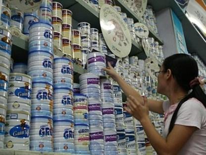 Kiểm tra gấp việc tăng giá sữa ồ ạt