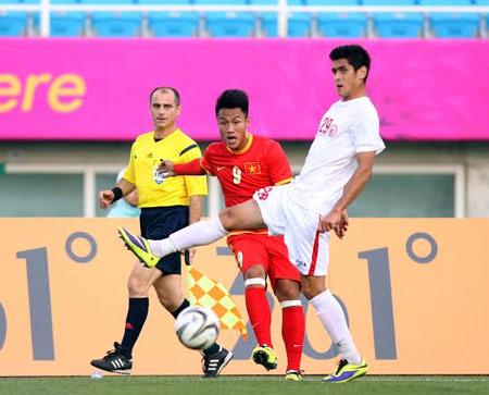 Đánh bại Olympic Kyrgyzstan, HLV Miura vẫn không hài lòng