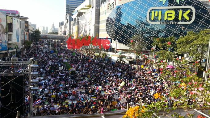 """""""Đóng cửa Bangkok"""" rung chuyển ngay trước Trung tâm MBK"""