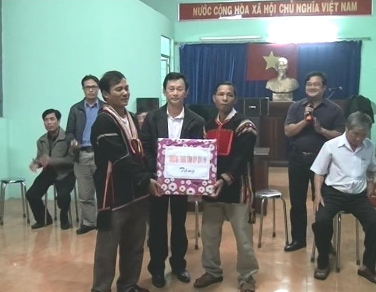 Phó Bí thư Tỉnh ủy làm việc tại hai xã Ia Mlah và Ia Rsai-huyện Krông Pa