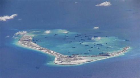 Trung Quốc gấp rút xây dựng phi pháp thêm 2 hải đăng ở Trường Sa