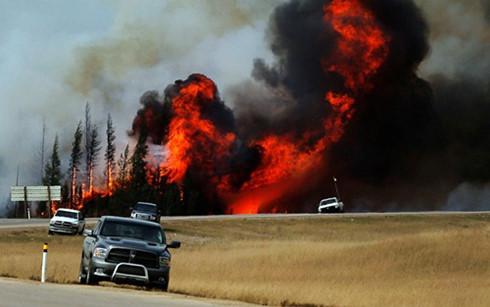 Cháy rừng ở Canada ngày càng vượt quá tầm kiểm soát