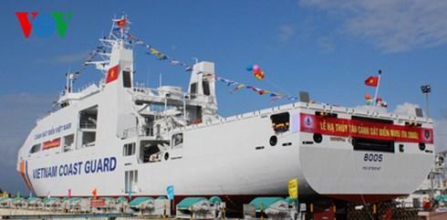 Hạ thủy tàu Cảnh sát biển đa năng CSB 8005 tại Đà Nẵng