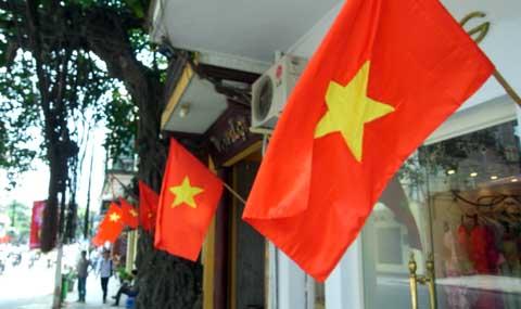 Thông báo: Về việc treo cờ Tổ quốc chào mừng kỷ niệm 126 năm ngày sinh Chủ tịch Hồ Chí Minh (19/5/1890-19/5/2016); chào mừng Bầu cử đại biểu Quốc hội và HĐND các cấp, nhiệm kỳ 2016-2021