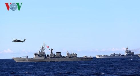 Tàu 381 Hải quân cập cảng Singapore chuẩn bị diễn tập chống khủng bố