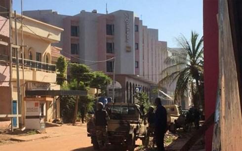 Mali: Tấn công khách sạn, 170 người bị bắt làm con tin