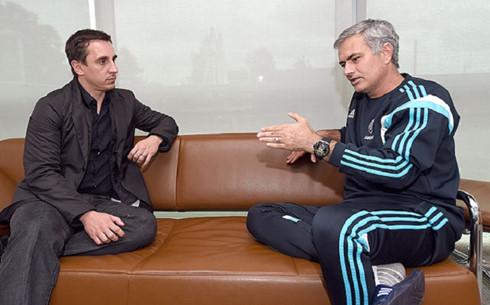 Mourinho mời cựu hậu vệ trứ danh của MU làm trợ lý
