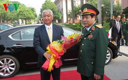 Bộ trưởng Quốc phòng hai nước Việt Nam và Nhật Bản hội đàm