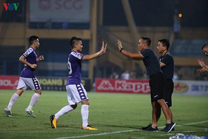 Quang Hải từ chối sang Nhật làm đồng đội Messi Thái để ở lại Hà Nội FC