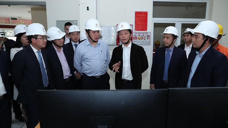 Bộ trưởng Bộ Công Thương kiểm tra công tác đảm bảo điện dịp Tết