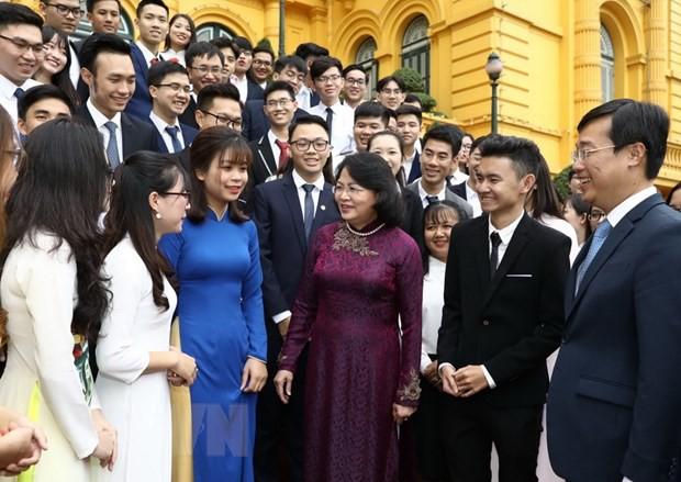 Phó Chủ tịch nước gặp mặt Đoàn đại biểu sinh viên tiêu biểu năm 2019