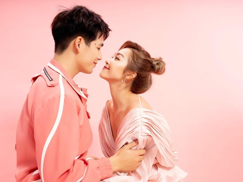 Quốc Anh, Khả Ngân, Hoàng Yến Chibi tình tứ trong bộ ảnh Valentine