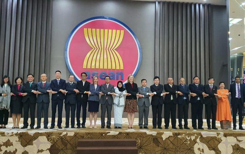 Đại sứ các nước thành viên Cấp cao Đông Á họp tại Indonesia