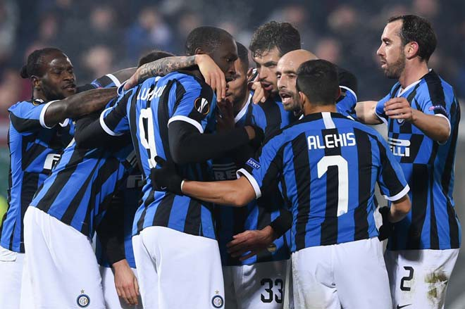 """Vòng 1/16 Europa League: Arsenal thắng nhọc, Lukaku """"giải cứu"""" Inter"""