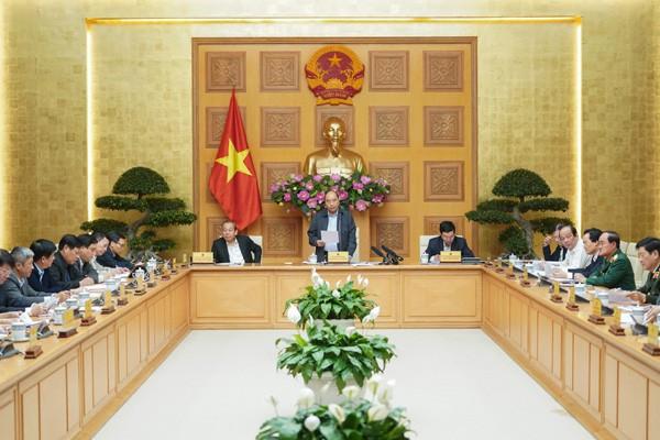 Thủ tướng: Tiếp tục khống chế dịch Covid-19, không được để lây lan sang Việt Nam
