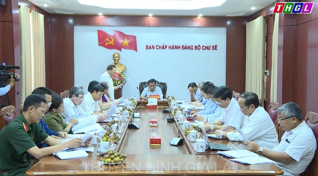 Phó Bí thư Thường trực Tỉnh ủy Hồ Văn Niên làm việc với tập thể Ban Thường vụ Huyện ủy Chư Sê