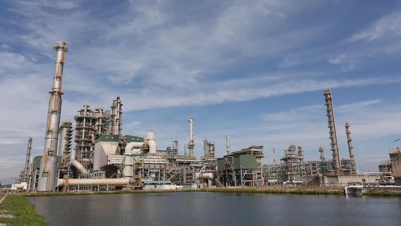 Giá dầu giảm kỷ lục: Việt Nam có thể mua dự trữ?