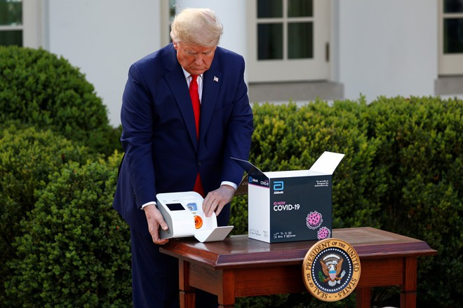 Ông Trump: Gần 1,7 triệu người Mỹ được xét nghiệm virus SARS-CoV-2