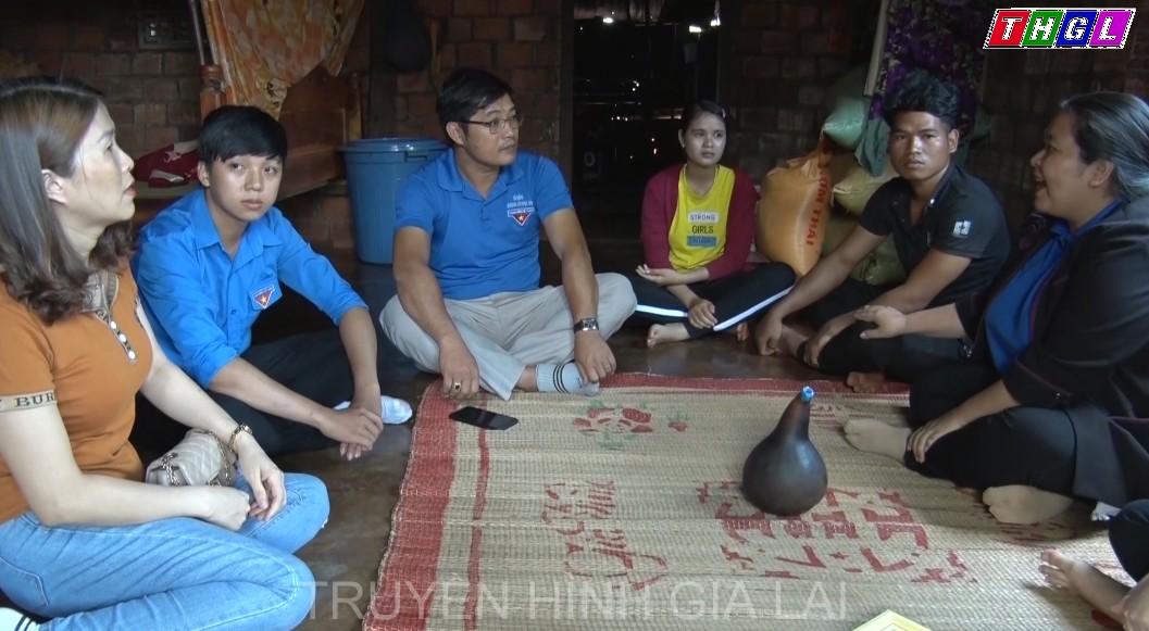 Đoàn Thanh niên tỉnh trao Bằng khen cho Gương người tốt tháng 4 năm 2020
