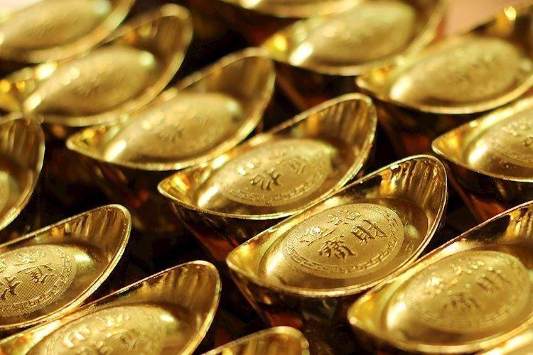 """Giá vàng """"leo thang"""" chưa từng có, tiến sát mốc 55 triệu đồng/lượng"""