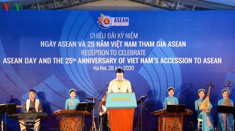 Việt Nam ghi đậm dấu ấn trong chặng đường 25 năm gia nhập ASEAN