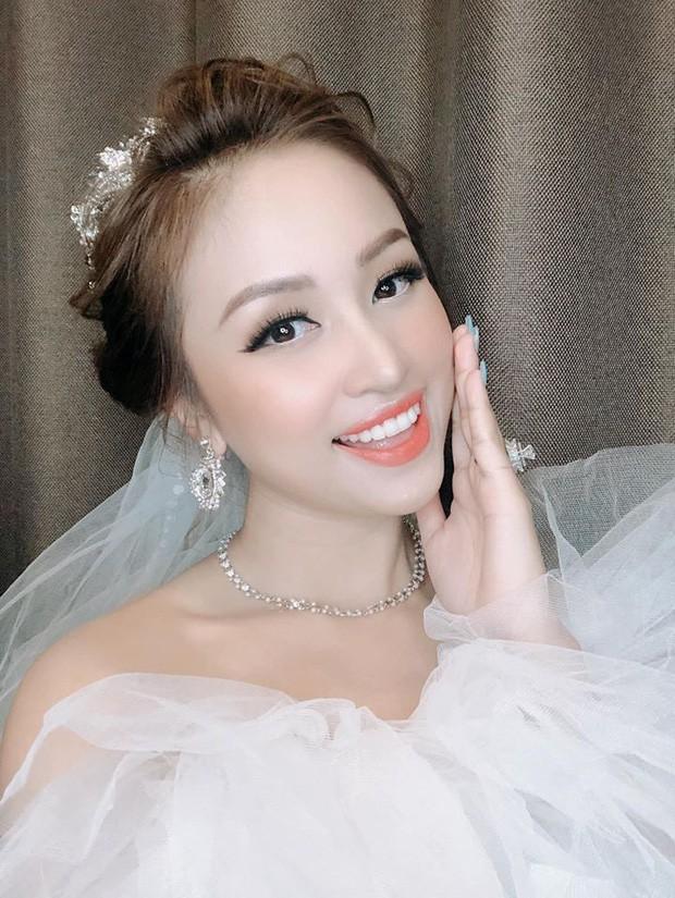 MC Vân Hugo hạnh phúc theo chồng Nam tiến ở tuổi 35
