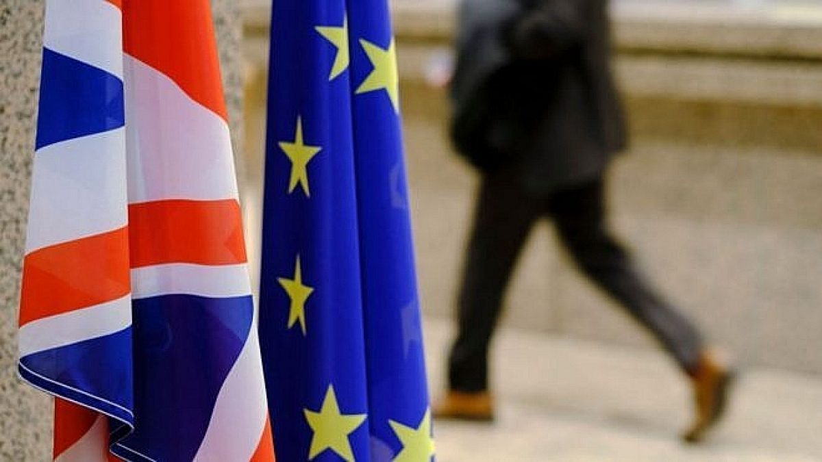 """Anh nhượng bộ với EU: Thiện chí """" đàm"""" chứ không """"đấu"""""""